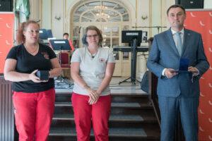 Vendula Prousková získala medaili Integrovaného záchranného systému z rukou hejtmana Martina Půty